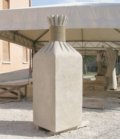 """Locked Motion"",2011.stone, 210 x 80 x 80 cm. ""Scolpire in piazza"". Italy."