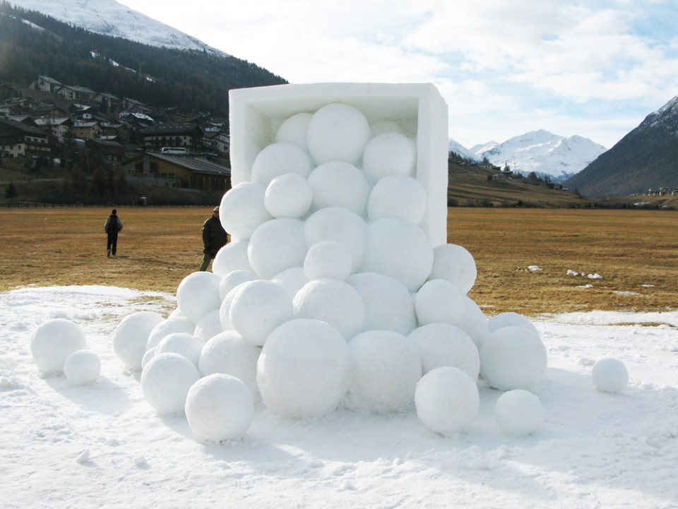 """Winter Fruits"",2012 Snow 300 x 700 x 600 cm ""Art in Ice"", Snow International Competition Livigno, Italy"