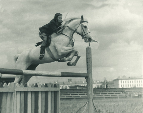 Artist Tanya Preminger featured once in a famous rusian movie as a stunt double riding a racing horse
