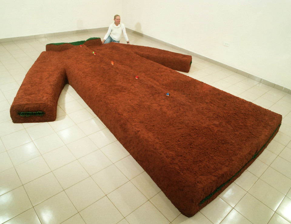 """Landscape of Motherland"" Installation.2006, Soil, calcar, synthetic grass.,35 x 500 x 400 cm. Holon, Israel"