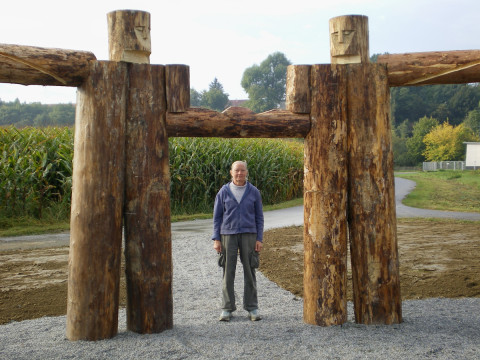 """Woodhenge"" 2007 Wood,iron, Height 320 Diameter 1100 cm, Furstenfeld, Austria"